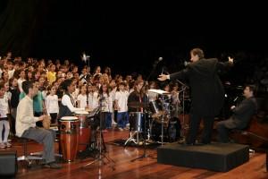 Concerto 450 vozes - Maestro Henry Leck EUA